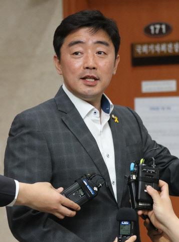 민주당, 21대 총선 현역의원 출마하면 반드시 경선